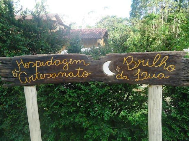 Hospedagem Brilho da Lua