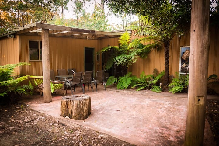 Nature retreat, enjoy bush, wine, and horse riding - Cockatoo - Bungalou