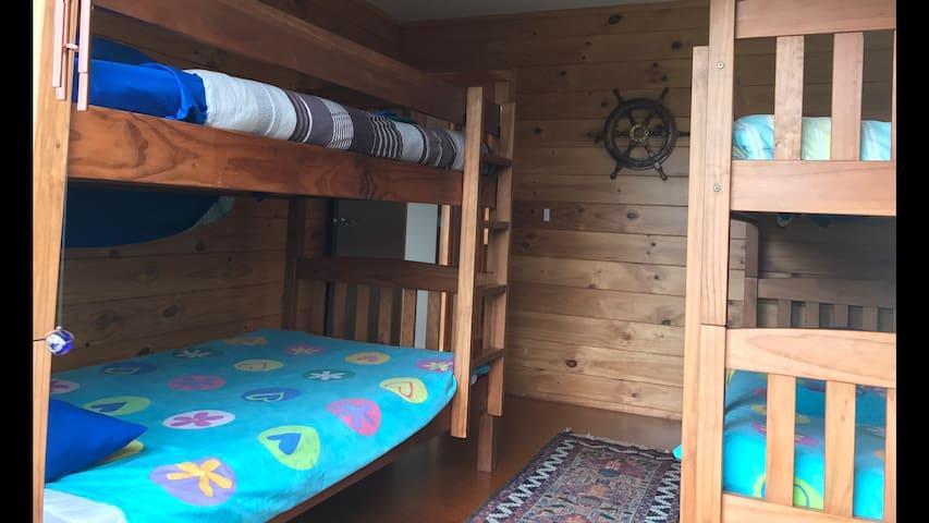 Bunk Room, 4 Large King Single bunks