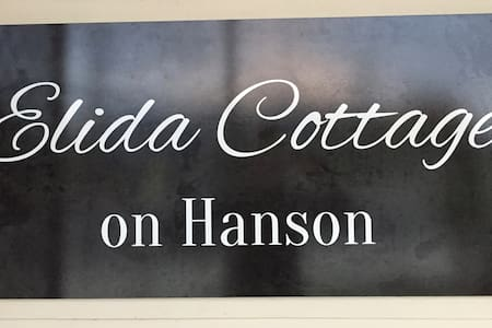 Elida Cottage on Hanson