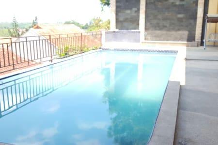 Amazing home like 5-star hotel facilities - Batam City - 独立屋