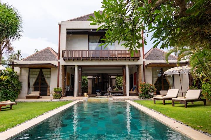 """ PROMO 40%"" - Three bedroom Villa Near Beach"
