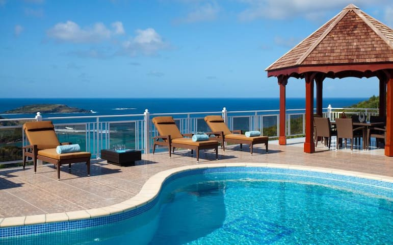 Soleil Levant - Ideal for Couples and Families, Beautiful Pool and Beach - Petit cul de Sac - Villa