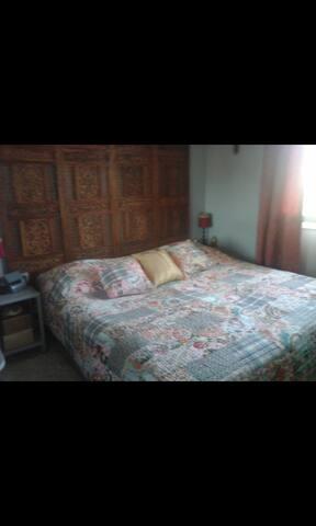 chambre simple plus terrasse proche mer village