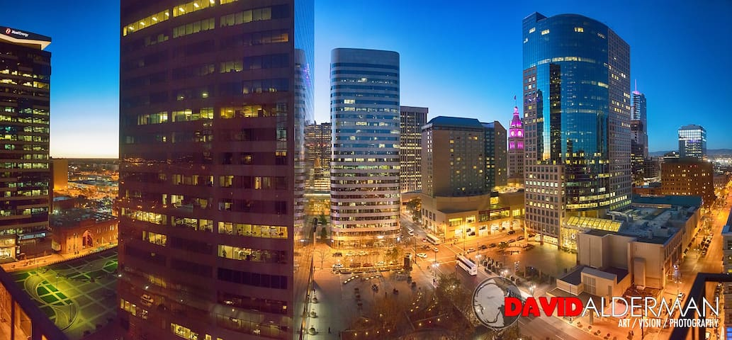 Upscale, downtown, Guest room and private bath - Denver - Apto. en complejo residencial