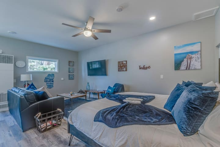 """Living Area with 60"""" Flat Screen TV with Netflix and Sling Entertainment Options"""