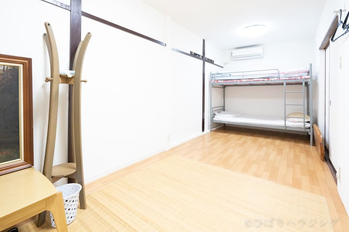Osaka   Nanaumi  七海  Women  Only 1-1 room(1〜4人)