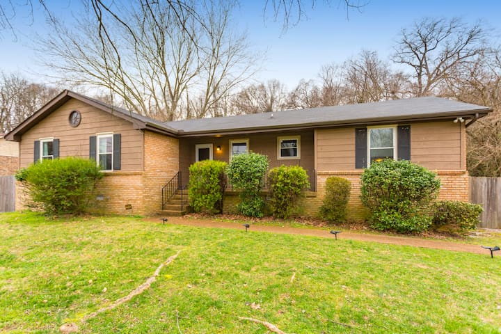 Welcome to East Nashville! This 3 bedroom, 2 bath house is located RIGHT next to the river and Shelby Park! Walk down the street and right onto the Greenway! Private parking and quiet area, perfect for your stay!