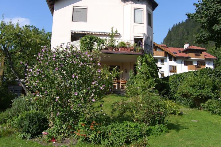 Geräumige 95m2 Wohnung mit großer Terrasse