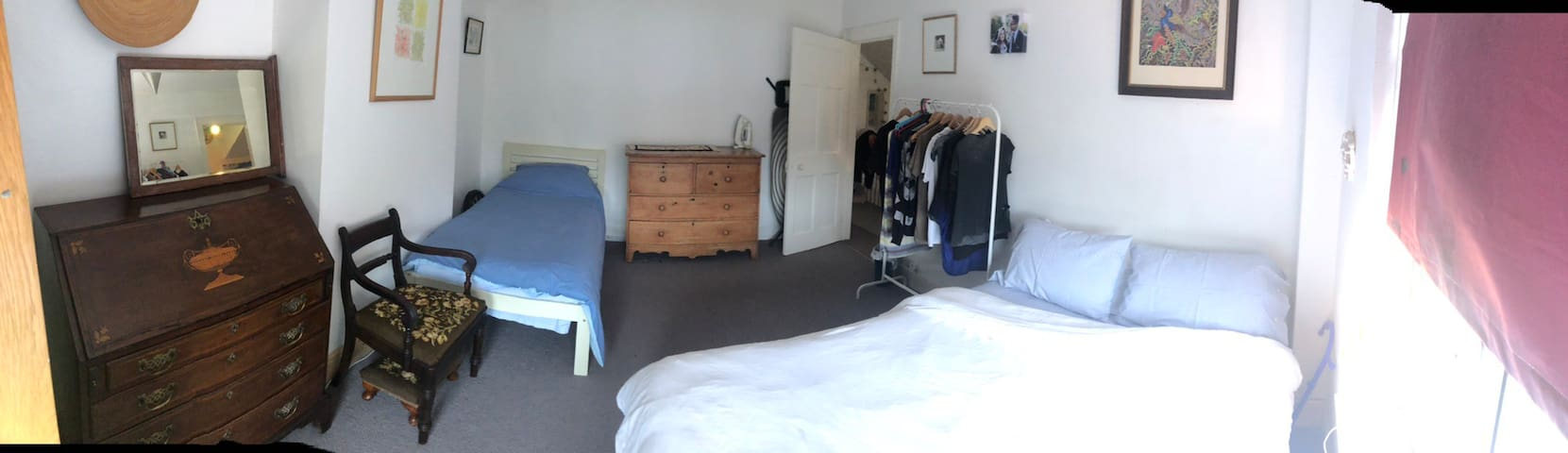 Triple room in a  comfortable Totnes home