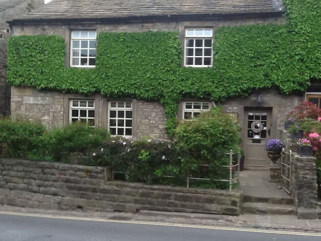 Number 47, Main Street, Grassington - Grassington