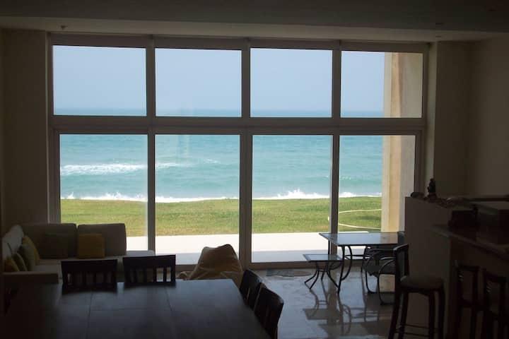 Beachfront house in Velamar, Tampico