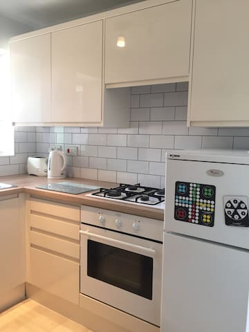 Large two bedroom apartment central Woking