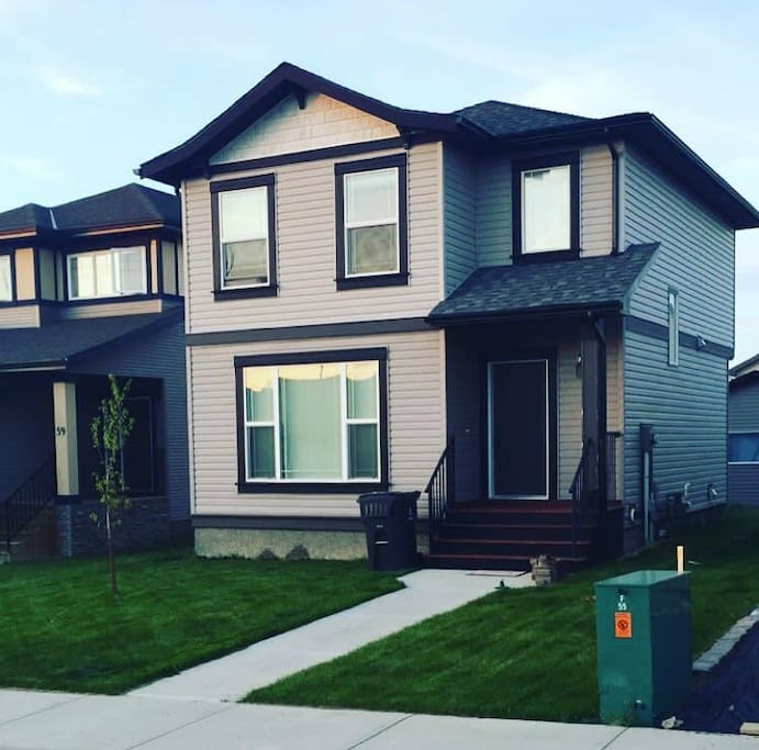 Front exterior. Back yard with deck & fully landscaped.