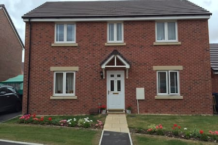 Modern house for 6 people available in Salisbury - Old Sarum - Ev