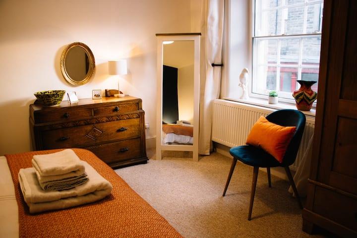 Luxury Peak District Apartment | Central Buxton