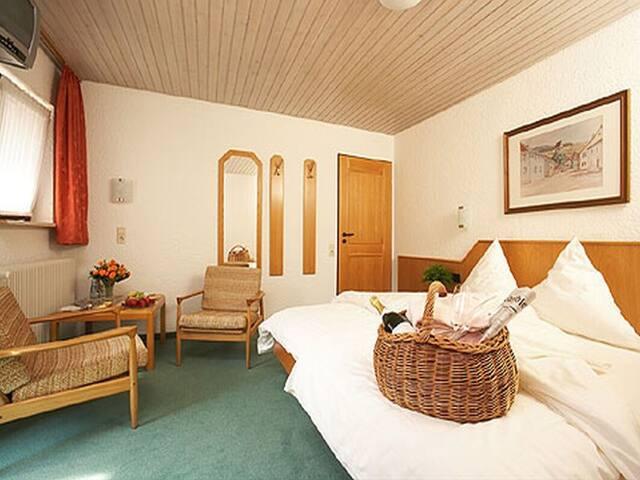 Gasthaus zur Krone, (Müllheim), MUEL03886, Doppelzimmer mit WC und Dusche