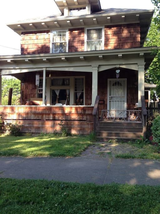 """Full amenities in spacious, well-lit basement apartment of """"Old Portland"""" classic foursquare 2-story home with fenced yard. Separate entrance; full bath, private laundry; full kitchen, Tuft and Needle queen mattress; plenty of space!"""