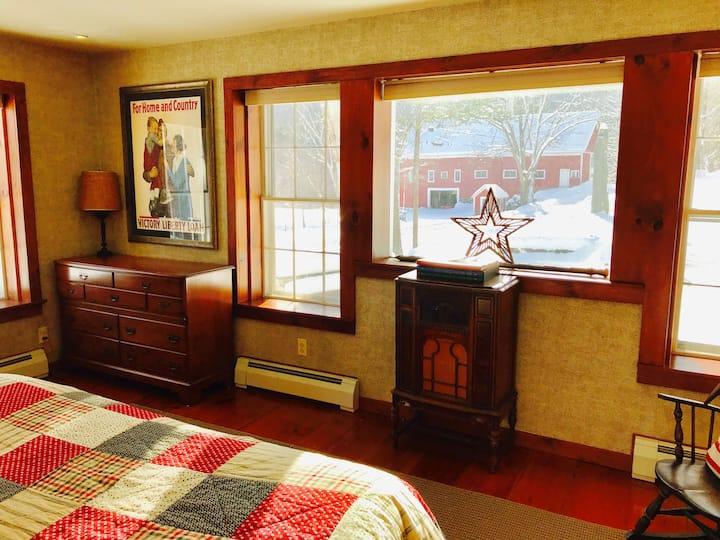 Clark Farm-2 Master-Suites, Great kitchen, views!
