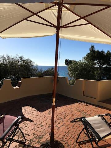 Splendida villa sulla spiaggia 10 metri dal mare
