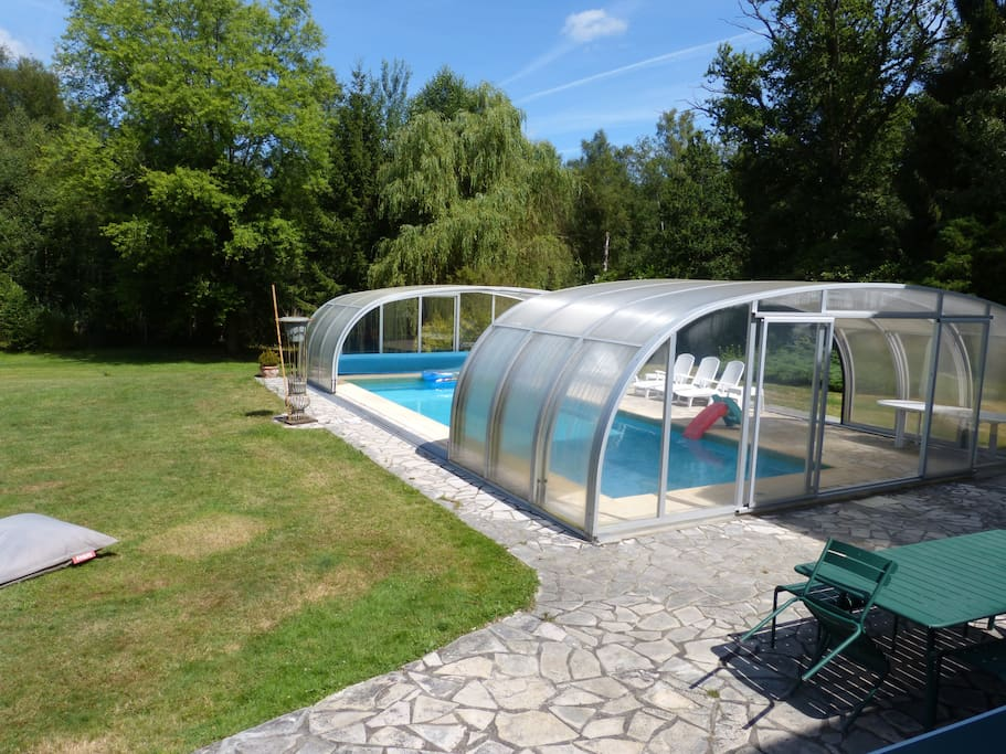 Maison avec piscine chauff e holiday homes for rent in for Camping ile de france avec piscine