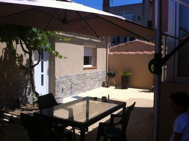 jolie dépendance de maison 30m² - Marseille - House