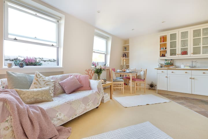 Bright & cozy new 1bed flat in heart of Kensington