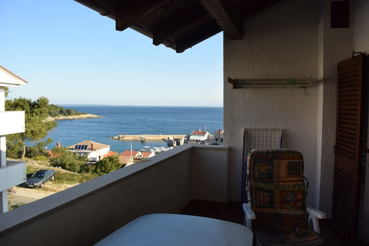 70 sq mt  cosy apartment at Saint Martin's Harbour