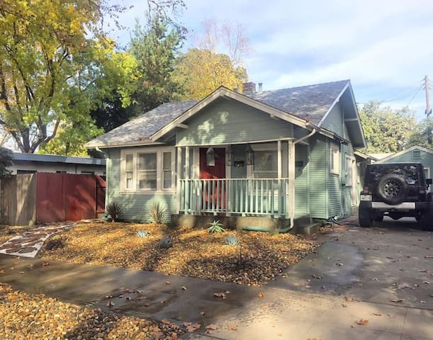 Large Room in Adorable Downtown Craftsman