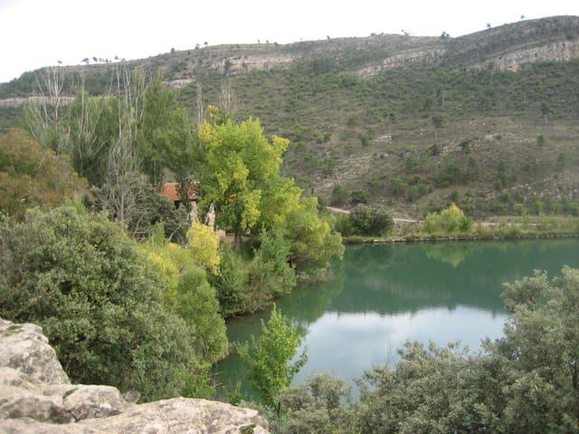"""Habitacion en """"Casona"""" siglo 18 ,  junto a un lago"""