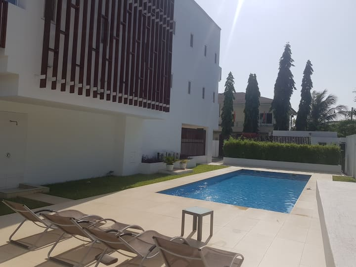 Modern, clean and cosy place in the heart of Accra