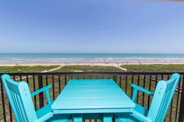 Seagull 502 - Charming Beachfront Condo w/ Endless Ocean Views, Pool, Spa, Washer & Dryer