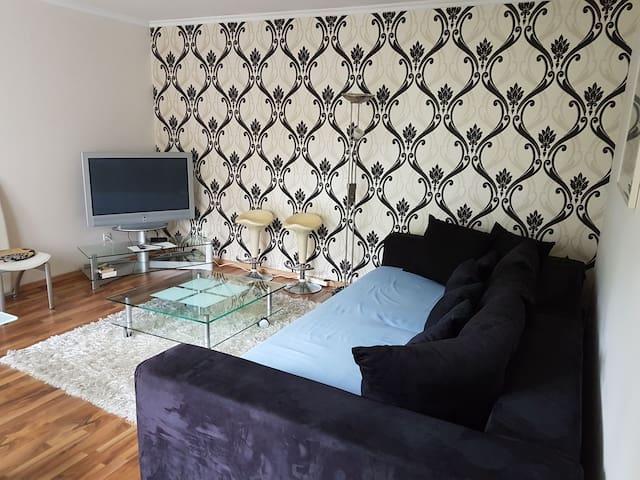 Schöne Saubere Moderne Wohnung