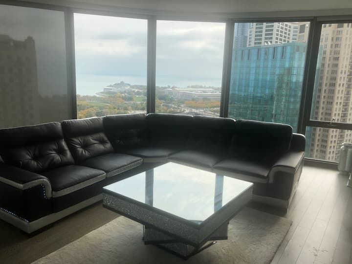 1 bedroom Downtown Chicago w/rooftop