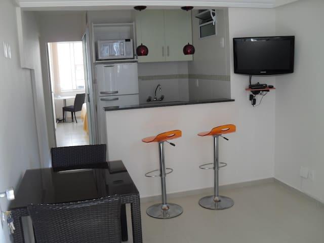 Apartamento confortável no Leme