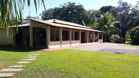 Casa de campo as margens do rio Cuiabá - ACORIZAL