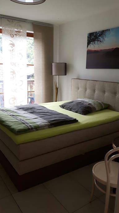 Ein Bett zum ausspannen und den Tag Revue passieren lassen.