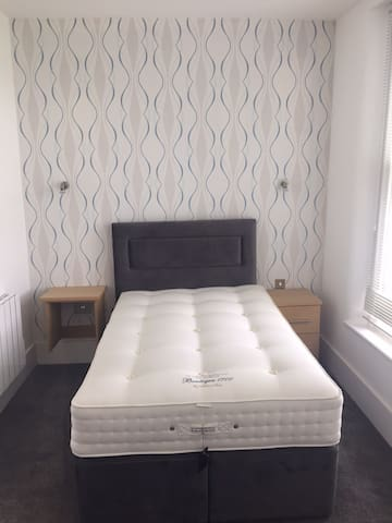 PRIME LOCATION LUXURY ENSUIT ROOMS 5 MIN GREENWICH - Londen - Appartement