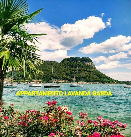 We are a 3-minute walk from the promenade of Garda lakefront