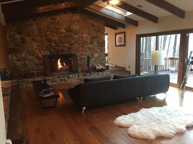 The Lodge at Cricklewood, where time melts away... - West Chester - Bed & Breakfast