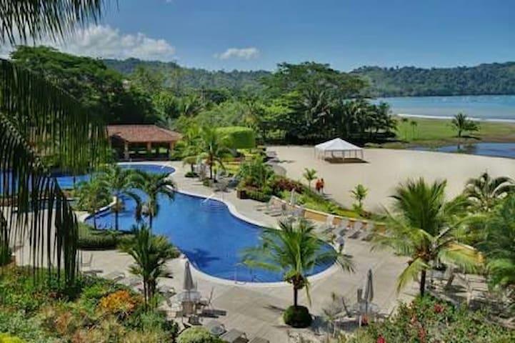 World Famous Suenos Beach Club free access!