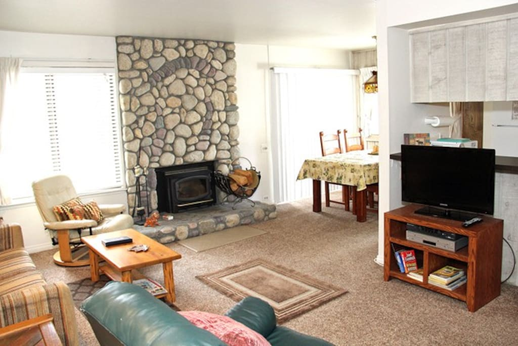 Mammoth Lakes Rental Sunshine Village 135 - Open Area Living Room