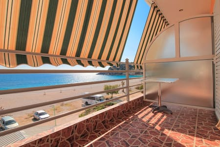 Flat with sea view & large balcony, Livadhi Beach - Himarë