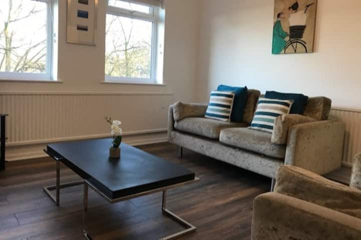 Contemporary Apartment Central to Lancaster Castle