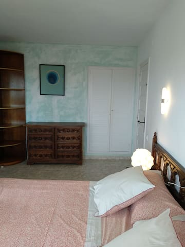 Bedroom 1: double bed with sea views