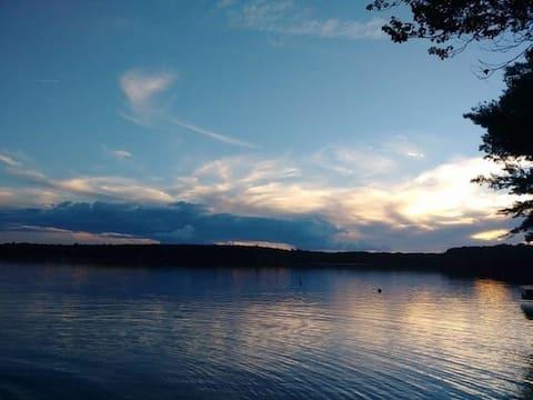 Entire Rustic Lake House: Yankee Lake