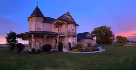 The Willow Tree Victorian country charm