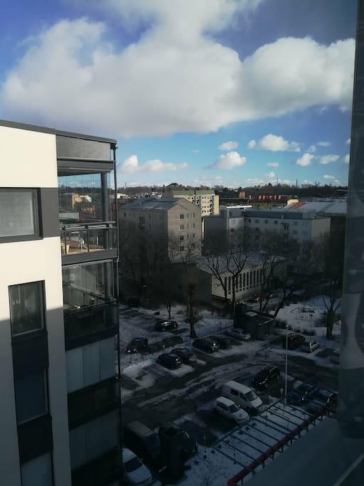 Näkymä ikkunasta. Turun keskusta.