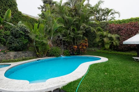 Relax in Lima, B & B, golf & tennis - Lima