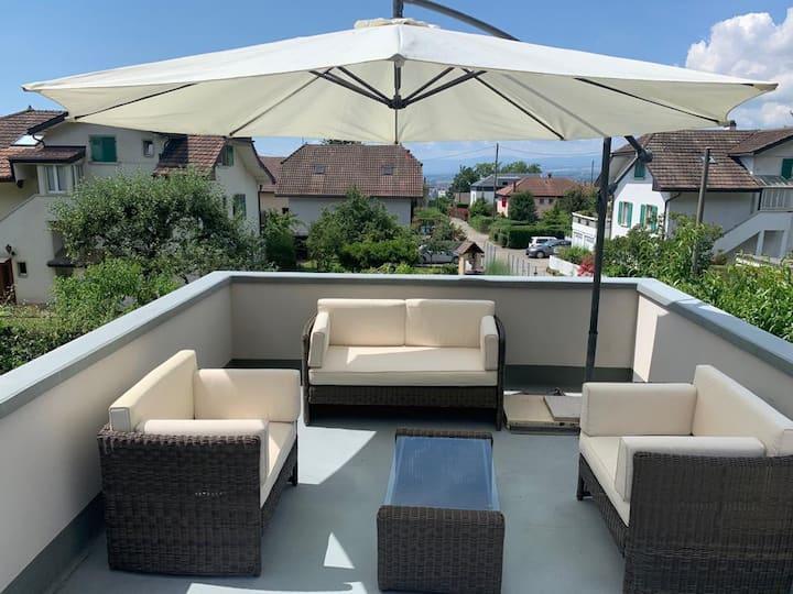 Bel appartement avec terrasse et jardin